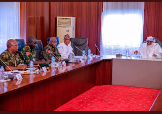 Buhari Meets With Security Chiefs In Abuja