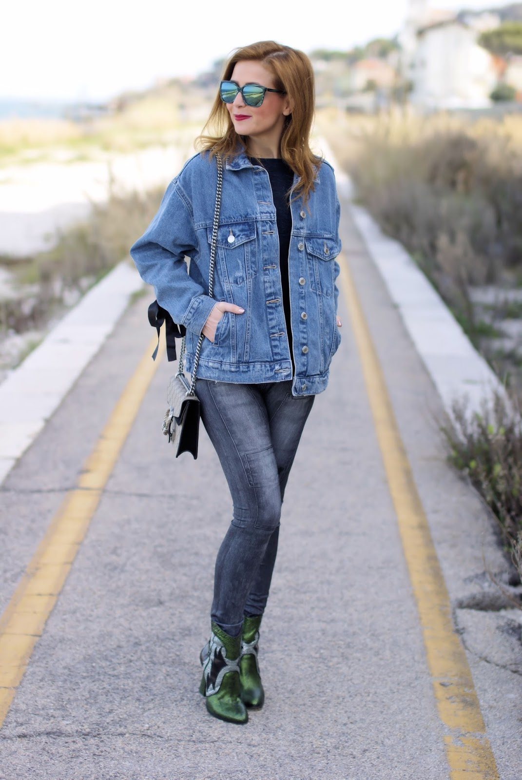 denim jeggings and cowgirl look on Fashion and Cookies fashion blog, fashion blogger style
