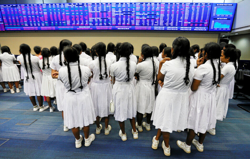 55 Stunning Photographs Of Girls Going To School In Different Countries - Sri Lanka