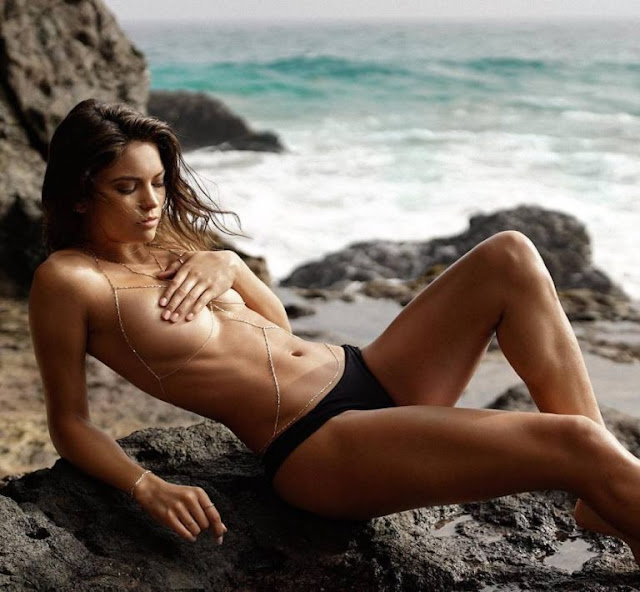 Hot girls Kyra Santoro show off her breasts 9