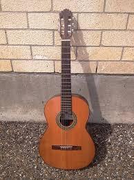 Đàn guitar Spain C1M hiện nay giá bao nhiêu