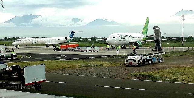 Kesibukan di Bandara Banyuwangi