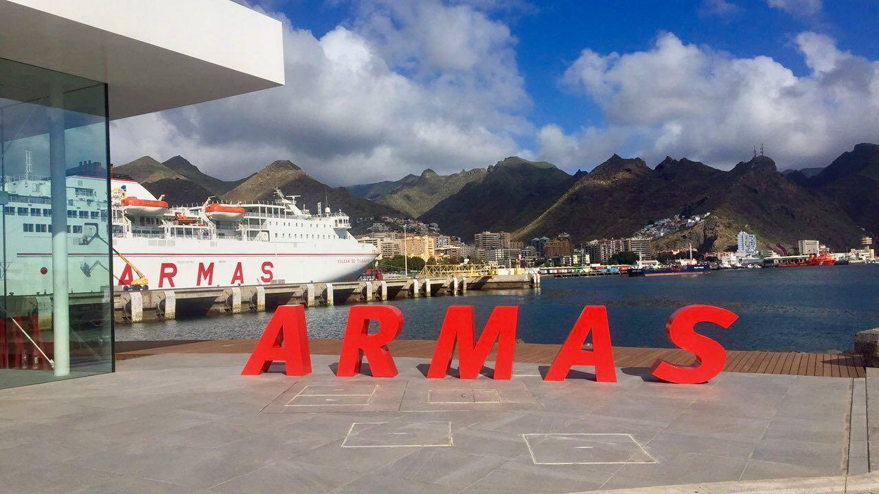 Navieraarmasblog naviera armas inaugura nueva terminal en for Horario oficina naviera armas las palmas
