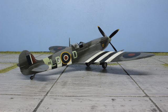 Galerie du Spitfire Mk IX d'Hasegawa au 1/48.