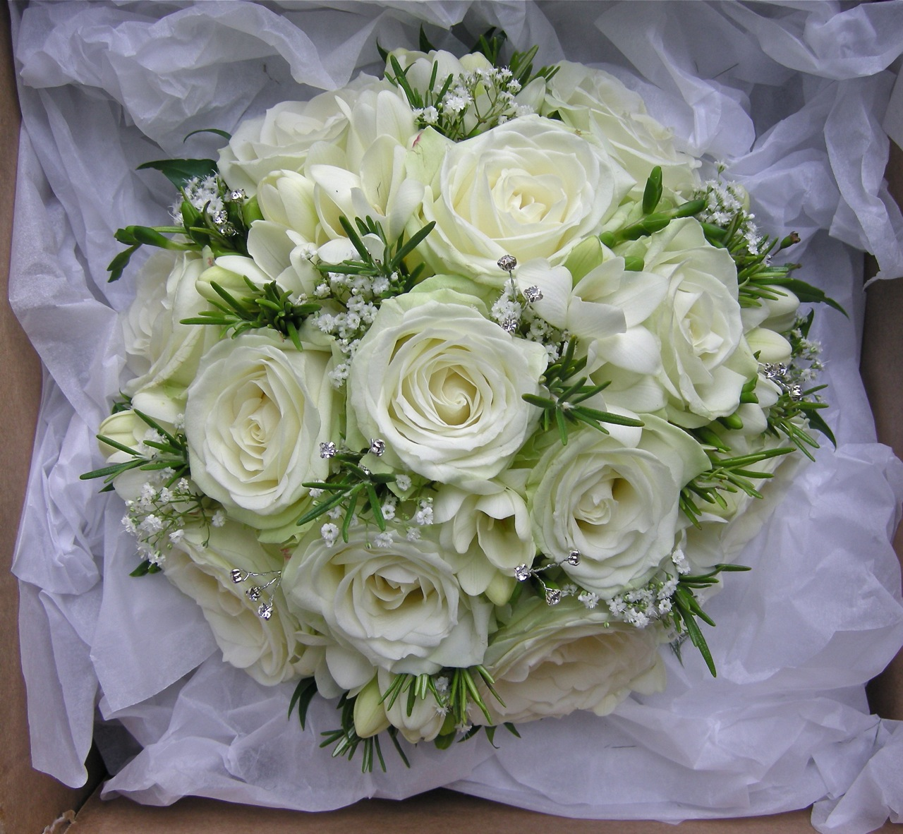 White Wedding Bouquets: Wedding Flowers Blog: Emma's Green And White Wedding