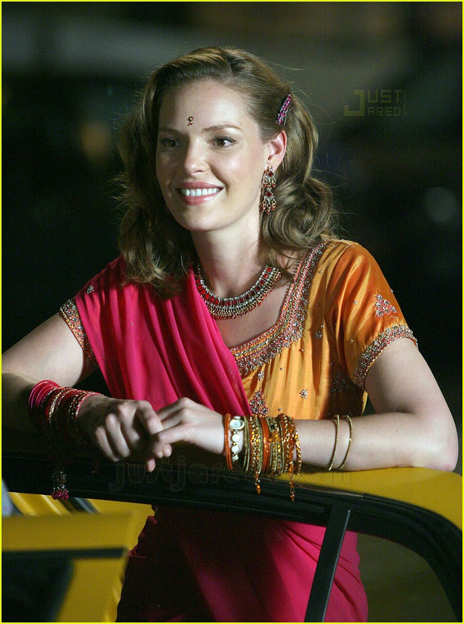 Katherine Heigl in pink saree.