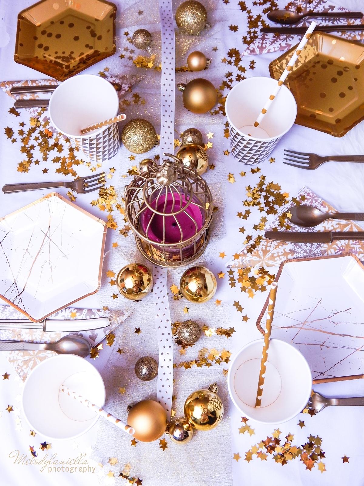 19 stół w kolorze złota ciekawe rozwiązania w dekoracji stołu melodylaniella partybox stół na imprezy