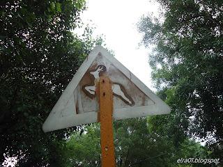 señal intervenida street art cuba