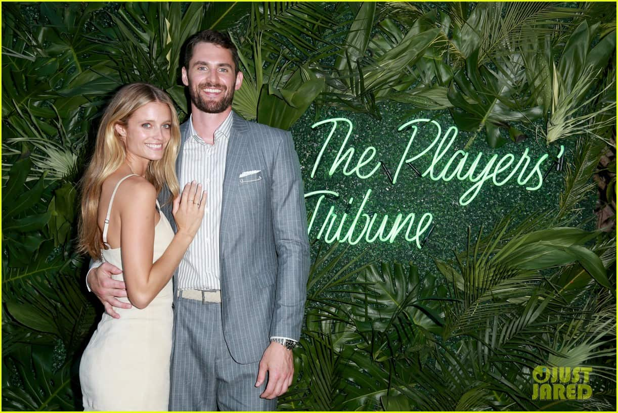 Kevin love and girlfriend