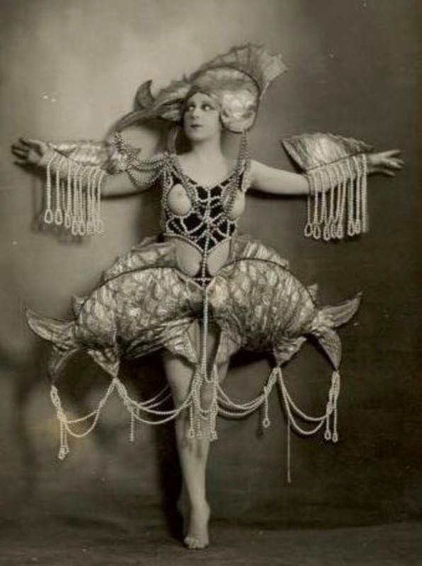 Vintage Ziegfeld Follies And Folies Berg 232 Re Costumes