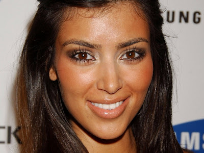 Kim Kardashian Normal Resolution HD Wallpaper 8
