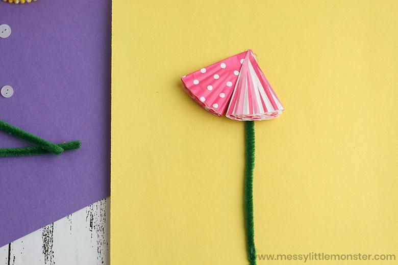 flower cupcake liner craft.