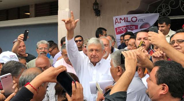 AMLO quiere donar 41 millones de pesos a damnificados pero INE se lo impide