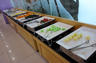 Korean wedding hall food - fruit