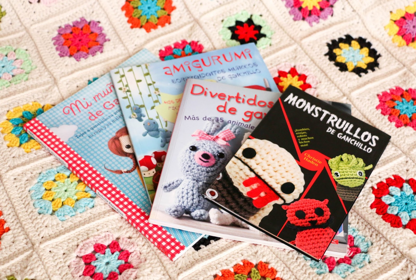 Libros De Ganchillo Bookworm I Amigurumi The Crochet Factor
