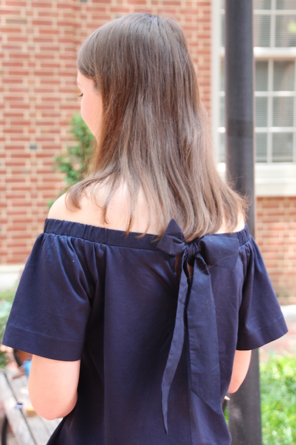 Gimme Glamour: Bloggers who Brunch. Classic/preppy bow back off the shoulder look