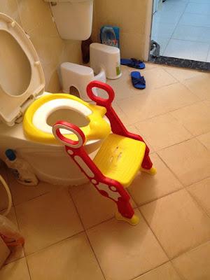 nắp bồn cầu tập ngồi toilet cho trẻ em giá rẻ
