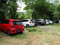 Areal Parkir Villa Roso Mulyo Sentul