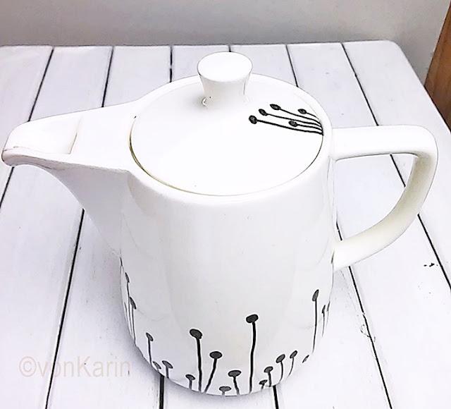weisse Kaffeekanne bemalen