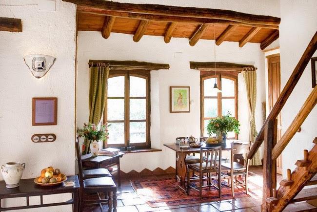 Estilo rustico casa de piedra rustica en andalucia for Fotos de fachadas de casas andaluzas