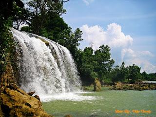 Indahnya Air Terjuan Toroan Sampang