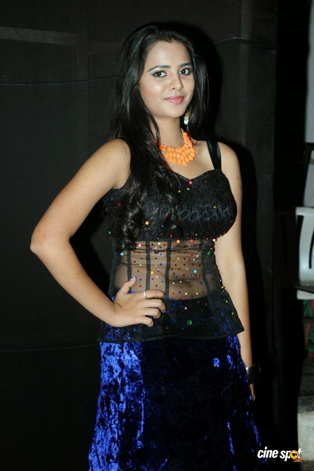 www heroines hot photos com