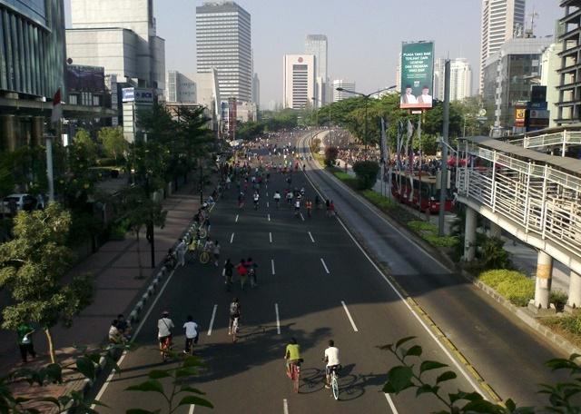 Kegiatan bersepeda yang semakin di minati oleh warga Jakarta