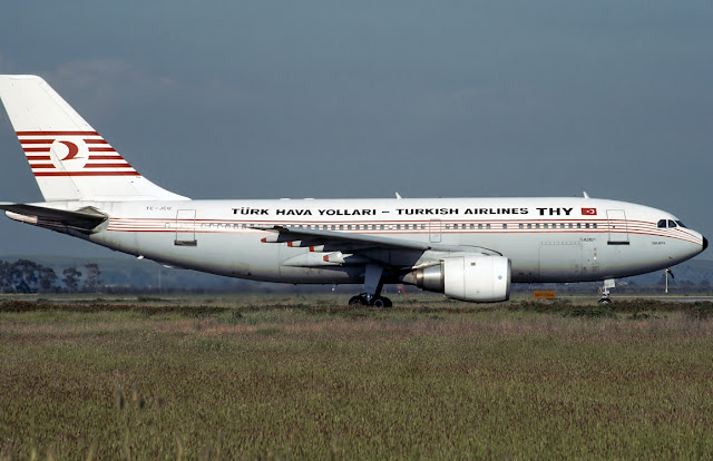 Turkish Airlines Airbus A310 TC-JCU 1990