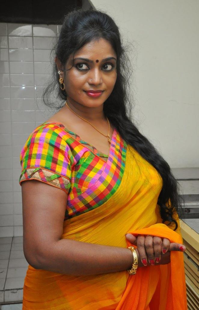 Hot actress jayavani in yellow saree ~ Hot Actresses