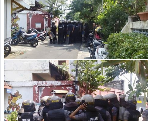Bapak-Bapak Polisi bersiaga kabarnya mau menghalau demo mahasiswa papua