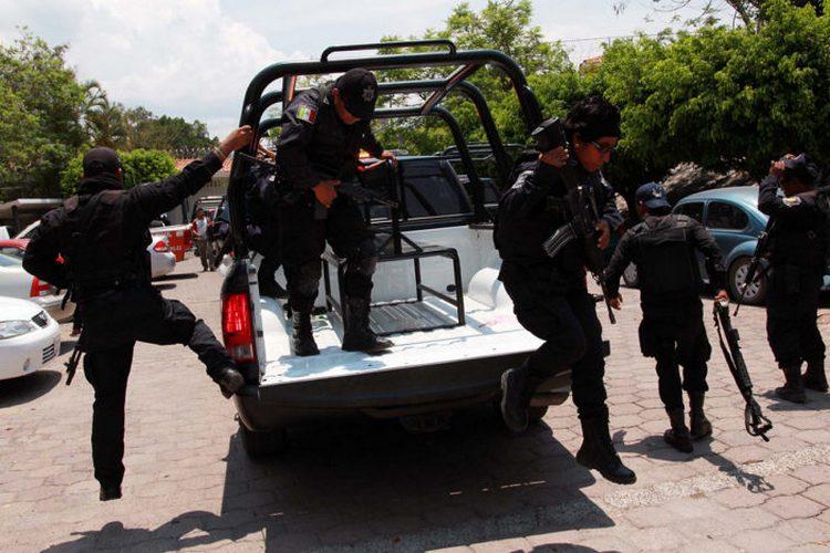 Guerrero: comando irrumpe en poblado de Tierra Caliente y ejecuta a cuatro hombres