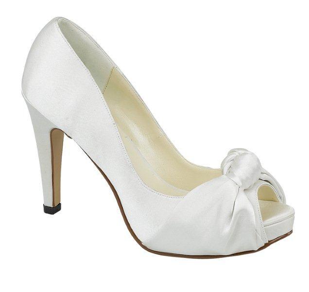 How To Find Dreamy Cheap Wedding Shoes