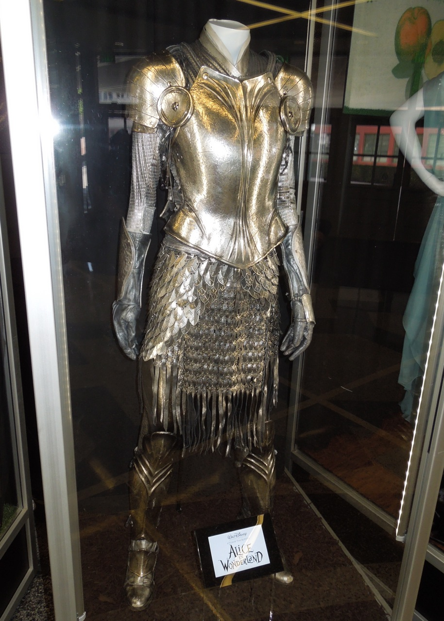 Hollywood Movie Costumes and Props: White Knight armour ...