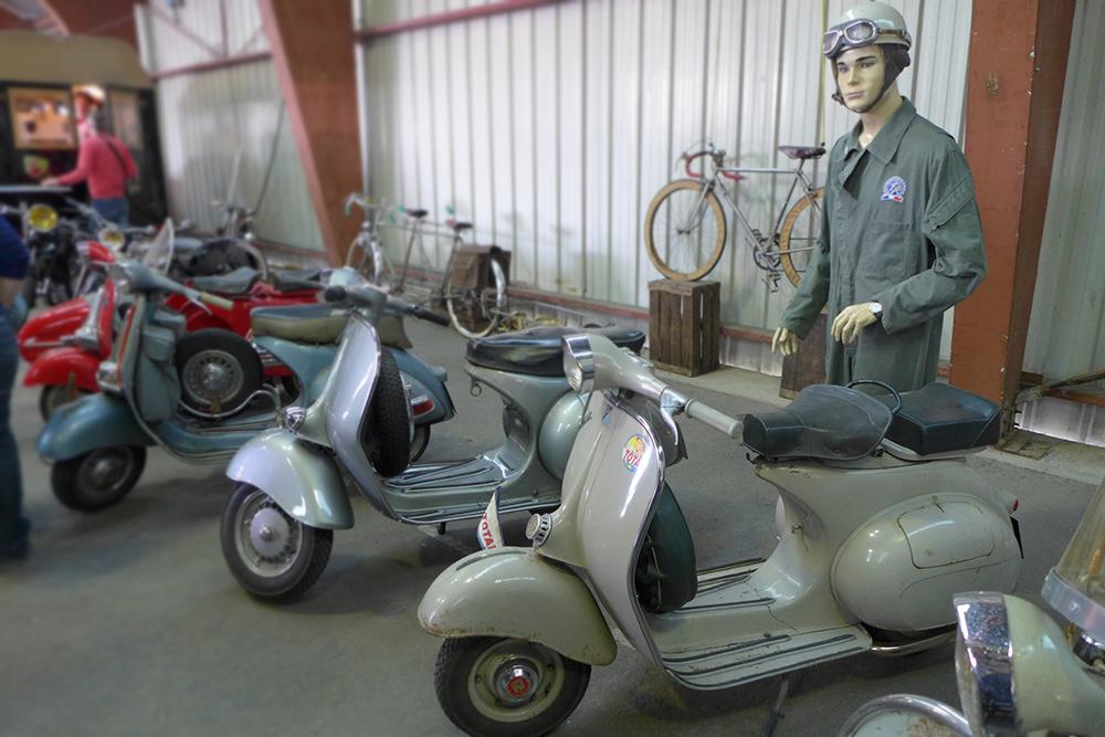 vespa ancien scooter salon so vintage niort