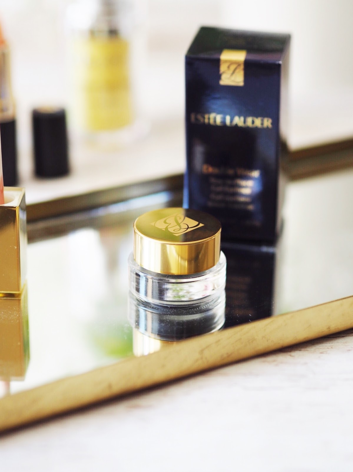 ideal world bloggers box beauty product review estee lauder double wear gel eyeliner
