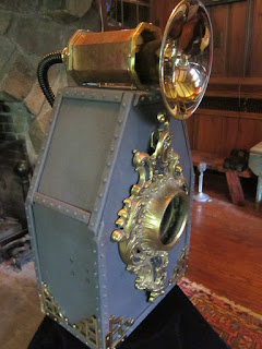 Magic Window Steampunk ipad/tablet amplifier