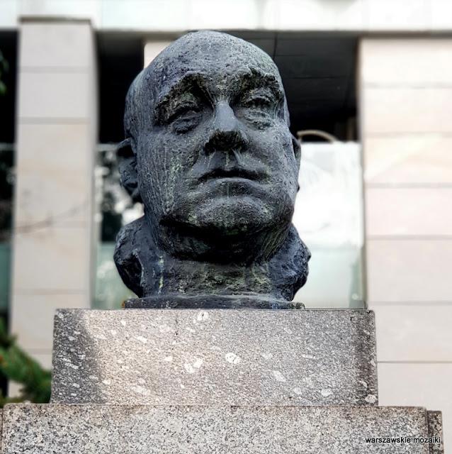 Warszawa Warsaw pasaż Szyfmana rzeźba Marian Wnuk 1961