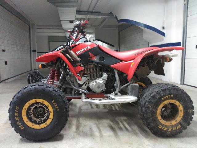 HONDA TRX 400 EX CON EXTRAS 3000€ negociables