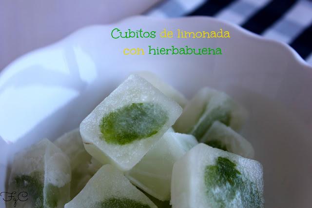 Cubitos de limonada con hierbabuena