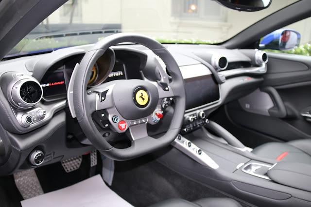 interior GTC4Lusso T
