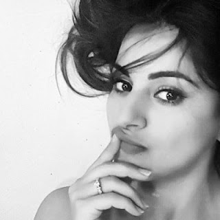 Shraddha Arya husband, latest news, age, hot, movies and tv shows, biography, wedding, bikini, twitter, facebook, wiki, boyfriend, dream girl