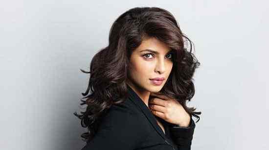 Artis Bollywood India Paling Cantik Priyanka Chopra