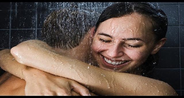 لماذا يجب على الزوجان الاستحمام معا مرة واحدة على الاقل في العمر