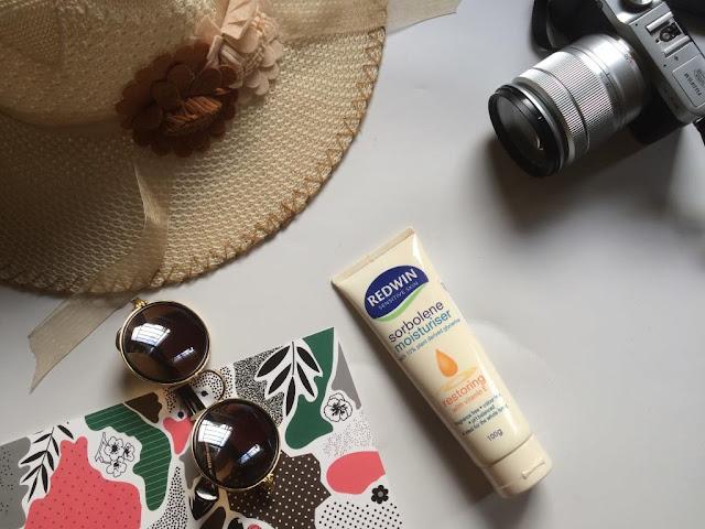 kulit lembut dan sehat dengan Redwin sorbolene moisturiser, manfaat redwin sorbolene moisturiser untuk kulit, redwin indonesia