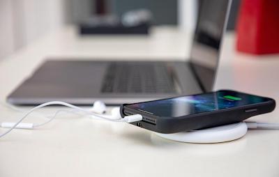 iphone xs problems, iphone xs max problems, iphone xs charging problems, iphone xs reception problem