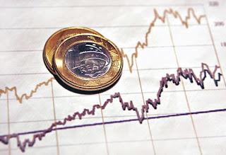 Poder de compra do salário mínimo volta ao patamar de 2015, diz Dieese