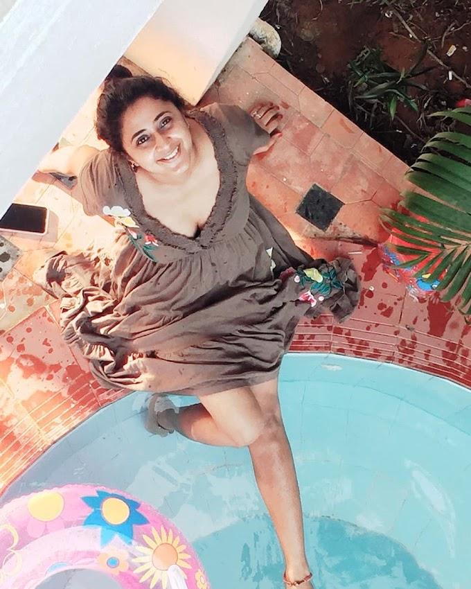 South Indian Actress Kaniha Hot Photos, Wallpapers, Videos