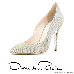 Kate Middleton wore Oscar de la Renta Platinum Lamé Cabrina pumps