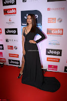 Red Carpet of Most Stylish Awards 2017 ~ Esha Gupta (6).JPG