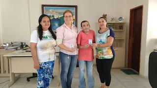Prefeitura entrega carteirinhas do passe livre para pessoas com deficiência em Picuí